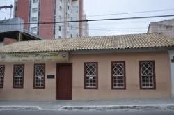 Visite o Museu Regional-Casa Henriqueta Prates